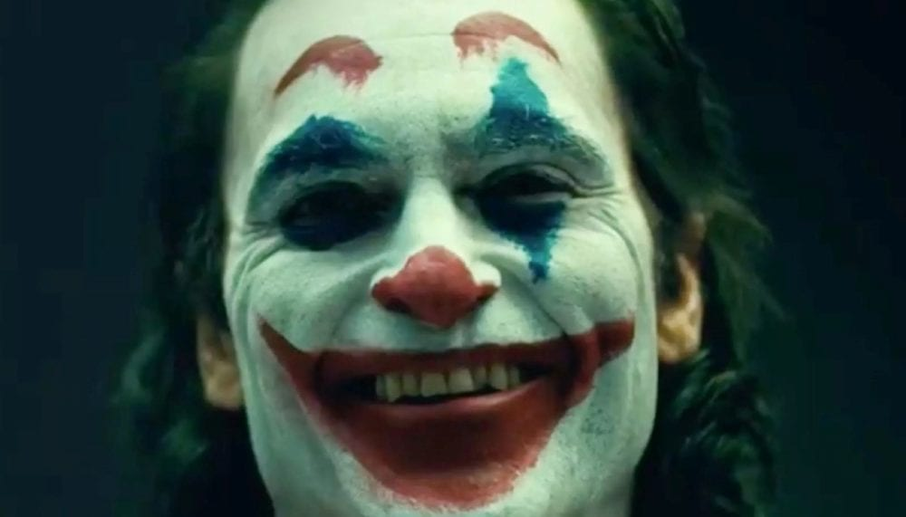 "<span class=""entry-title-primary"">Todd Philips Reveals Joaquin Phoenix in Joker Makeup</span> <span class=""entry-subtitle"">Arthur embraces his inner clown</span>"